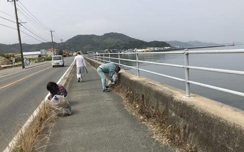 ラブアース(加布里漁港清掃活動)
